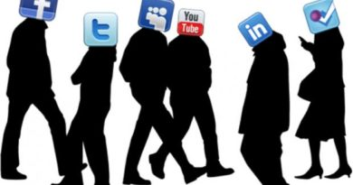 Shocking Effects of Social Media on University Students and Teens 4