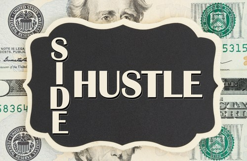 3 Best Tips for Abusites on How to Balance School and a Side Hustle 1