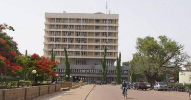 ABU Leadership Crisis: FG Call For Restraint 4