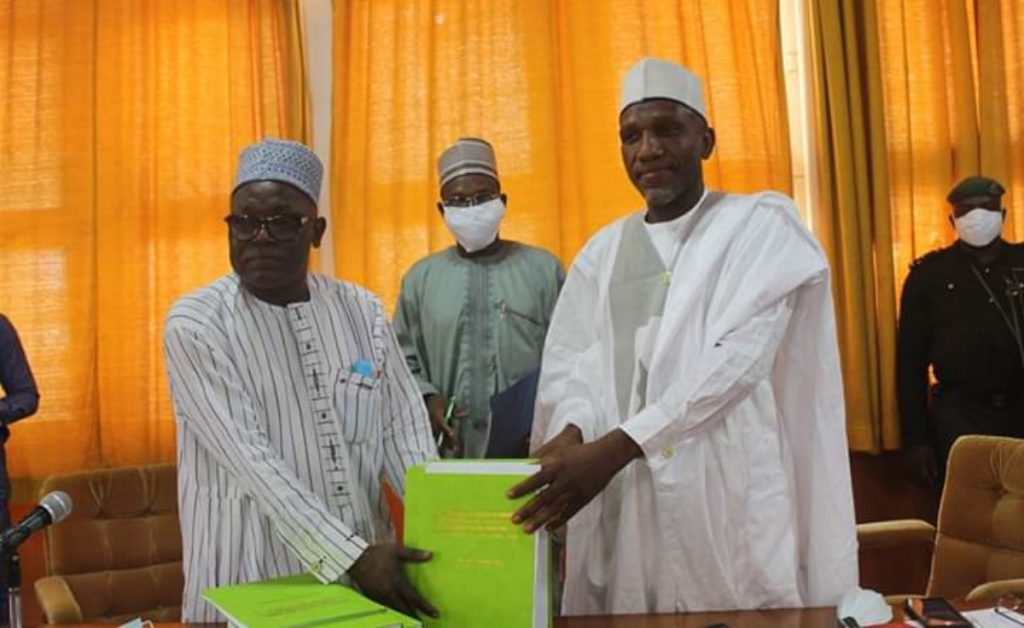 From Right: The Vice-Chancellor, Ahmadu Bello University, Professor Kabir Bala, receiving the handing over notes from the Ag Vice-Chancellor, Prof. Danladi Amodu Ameh at the Senate Chambers today (Thursday, 30th April 2020).